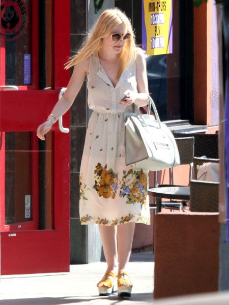 Clothing, Bag, Style, Dress, Street fashion, Fashion accessory, One-piece garment, Sunglasses, Fashion, Day dress,