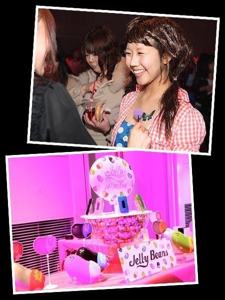 Pink, Dessert, Sweetness, Cake, Party, Purple, Baked goods, Magenta, Jewellery, Violet,