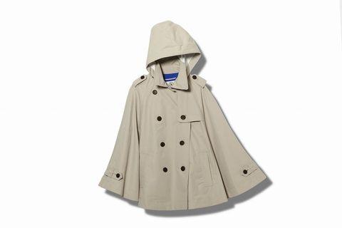 Sleeve, Collar, Costume design, Costume accessory, Costume, Beige, Fictional character, Mantle, Cloak, Cape,