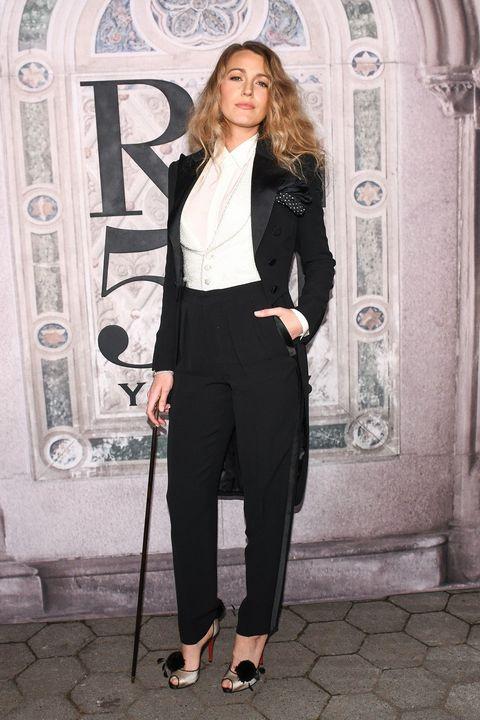 Clothing, Suit, Pantsuit, Formal wear, Blazer, Outerwear, Fashion, Waist, Tuxedo, Street fashion,