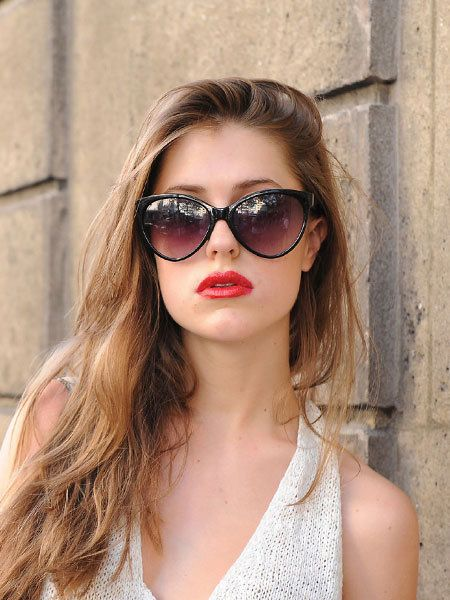 Clothing, Eyewear, Glasses, Vision care, Lip, Hairstyle, Goggles, Sunglasses, Chin, Shoulder,