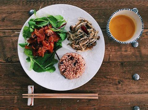 Wood, Food, Serveware, Cuisine, Dishware, Dish, Ingredient, Tableware, Plate, Recipe,