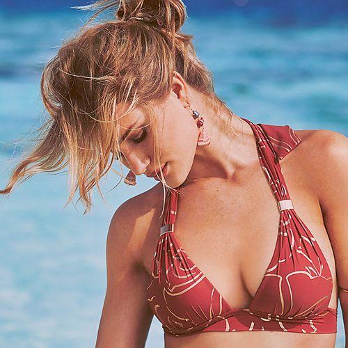 Bikini, Clothing, Swimwear, Swimsuit top, Undergarment, Lingerie, Brassiere, Beauty, Summer, Vacation,