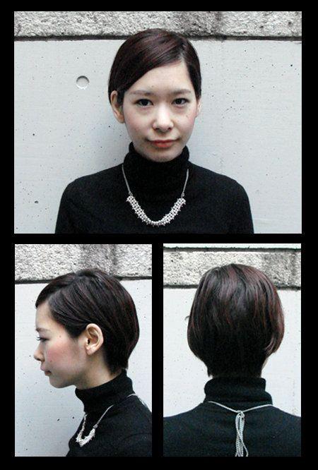 Hair, Head, Ear, Hairstyle, Forehead, Eyebrow, Jewellery, Style, Fashion accessory, Jaw,