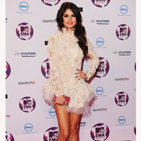 Human, Dress, Shoulder, Flooring, Magenta, Style, Pink, One-piece garment, Fashion, Fashion model,