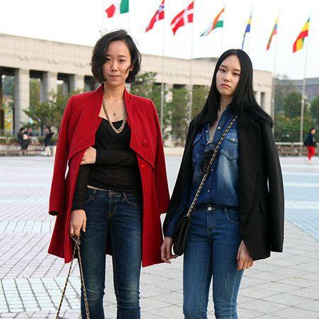 Clothing, Leg, Denim, Trousers, Jeans, Textile, Outerwear, Bag, Coat, Street fashion,