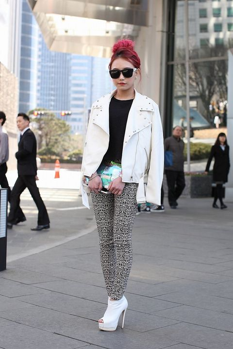 Clothing, Eyewear, Footwear, Leg, Vision care, Coat, Trousers, Textile, Standing, Sunglasses,