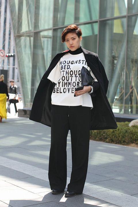 Textile, Outerwear, Style, Street fashion, Fashion show, Curtain, Winter, Fashion, Fashion model, Luggage and bags,