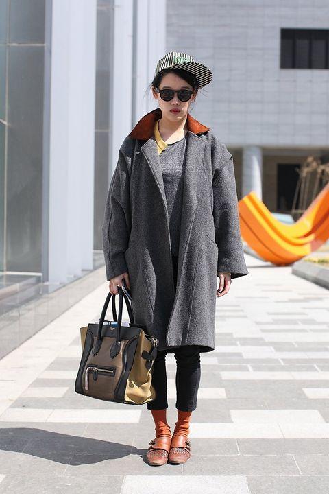 Eyewear, Brown, Textile, Outerwear, Fashion accessory, Sunglasses, Hat, Style, Bag, Street fashion,