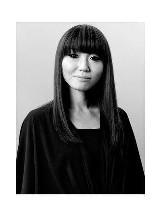 Sleeve, Bangs, Style, Monochrome, Monochrome photography, Black hair, Beauty, Black-and-white, Step cutting, Street fashion,