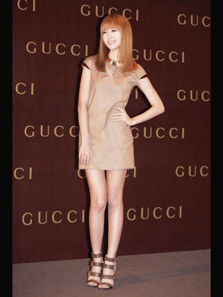 Skin, Shoulder, Dress, Human leg, Joint, Style, Fashion model, Waist, Fashion, Beauty,