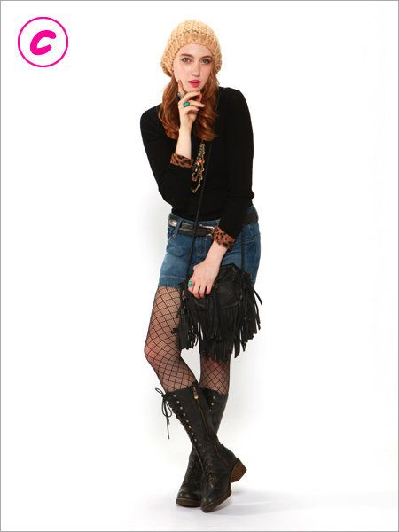 Leg, Sleeve, Denim, Textile, Outerwear, Boot, Style, Knee, Street fashion, Fashion,