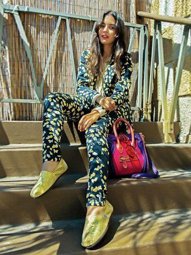 Leg, Textile, Shoe, Bag, Style, Sitting, Pattern, Street fashion, Fashion accessory, Fashion,