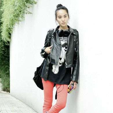 Clothing, Sleeve, Textile, Joint, Outerwear, White, Boot, Bag, Style, Jacket,
