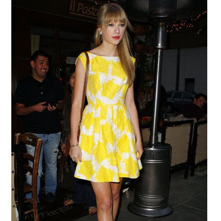 Leg, Human body, Human leg, Shoulder, Dress, Joint, Standing, One-piece garment, Style, Thigh,