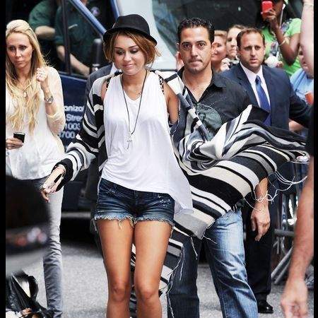 Clothing, Footwear, Leg, Trousers, Denim, Jeans, Shirt, Bag, Outerwear, Fashion accessory,