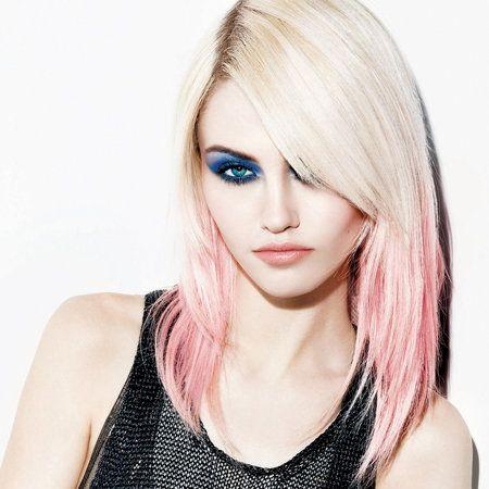 Lip, Hairstyle, Shoulder, Style, Eyelash, Jaw, Step cutting, Beauty, Long hair, Neck,