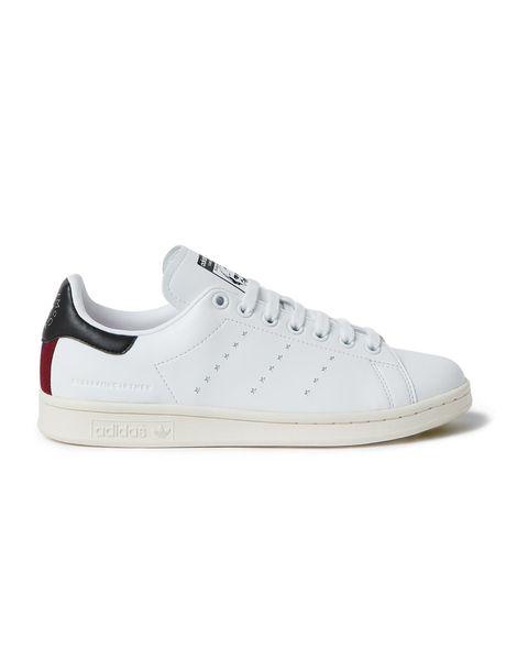 Shoe, Footwear, White, Sneakers, Walking shoe, Product, Outdoor shoe, Skate shoe, Plimsoll shoe, Athletic shoe,