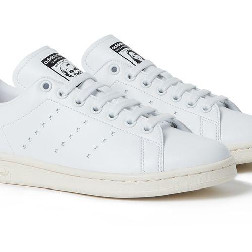 Shoe, Footwear, White, Sneakers, Walking shoe, Product, Outdoor shoe, Tennis shoe, Athletic shoe, Skate shoe,