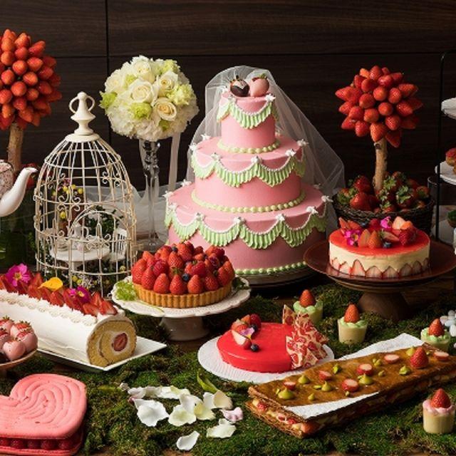 Food, Sweetness, Dessert, Cuisine, Meal, Garnish, Finger food, Cake, Buffet, Dish,