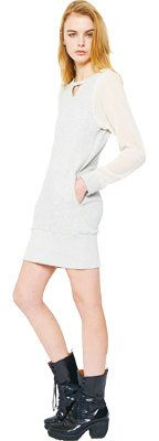 Finger, Sleeve, Shoulder, Human leg, Joint, White, Standing, Elbow, Dress, Fashion,