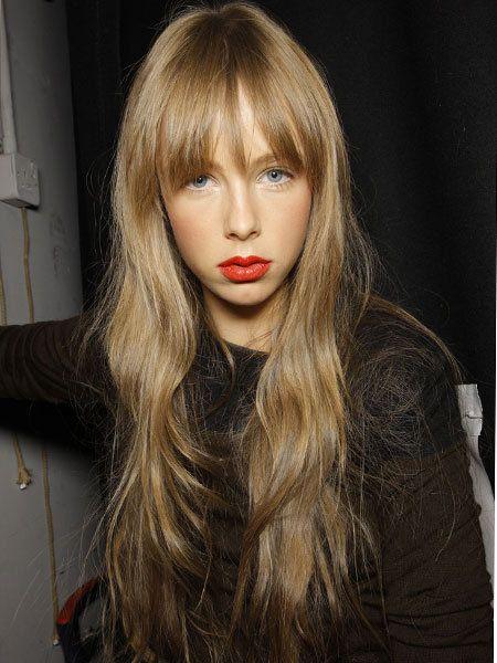 Lip, Mouth, Hairstyle, Bangs, Eyelash, Step cutting, Long hair, Beauty, Blond, Brown hair,