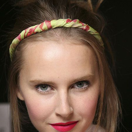 Mouth, Lip, Hairstyle, Chin, Forehead, Eyebrow, Eyelash, Hair accessory, Headgear, Headpiece,