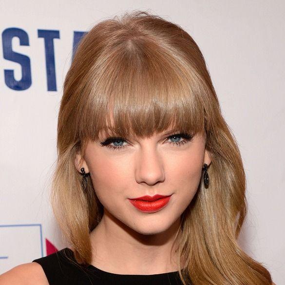 Hair, Lip, Mouth, Hairstyle, Chin, Eyebrow, Eyelash, Style, Bangs, Step cutting,