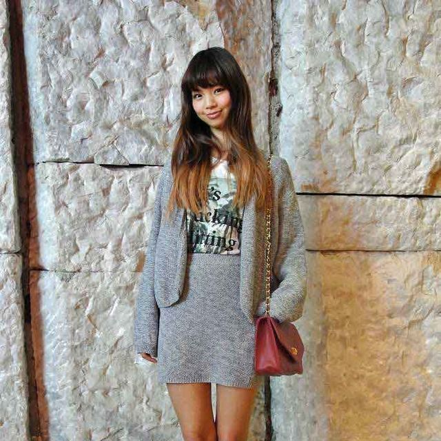 Clothing, Sleeve, Shoulder, Dress, Textile, Outerwear, Style, Street fashion, Knee, Pattern,