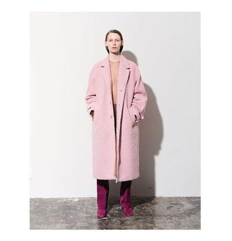 Sleeve, Textile, Coat, Standing, Pink, Overcoat, Magenta, Street fashion, Purple, Fur,