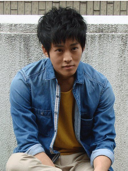 Arm, Jacket, Dress shirt, Denim, Sitting, Collar, Black hair, Street fashion, Portrait, Mesh,