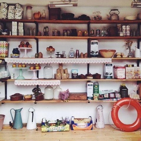 Shelf, Shelving, Serveware, Dishware, Porcelain, Ceramic, Lifebuoy, Collection, Pottery, earthenware,