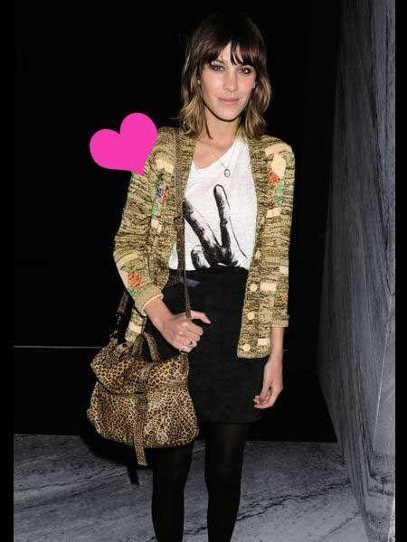 Clothing, Textile, Outerwear, Fashion accessory, Bag, Fashion, Black, Street fashion, Curtain, Tights,