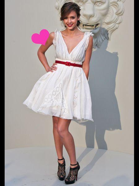 Dress, Human leg, Pink, Style, One-piece garment, Fashion, Day dress, Pattern, Cocktail dress, Foot,
