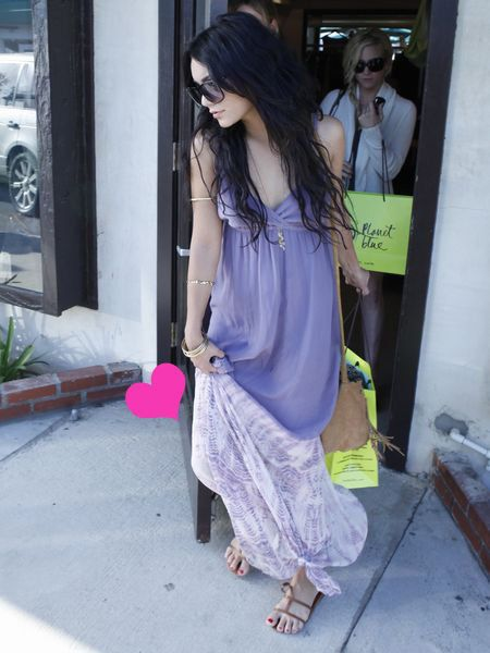 Flowerpot, Bag, Street fashion, Luggage and bags, Sunglasses, Houseplant, Goggles, Handbag, One-piece garment, Foot,