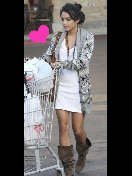 Product, Sleeve, Human leg, Style, Boot, Street fashion, Fashion, Dress, Knee, Beauty,