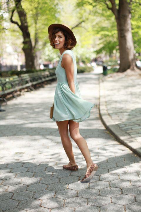 Clothing, Hat, Dress, Shoulder, Human leg, Joint, Summer, Sun hat, Street fashion, Waist,