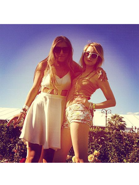 Clothing, Eyewear, Vision care, Sunglasses, Happy, Summer, People in nature, Fashion accessory, Beauty, Sunlight,