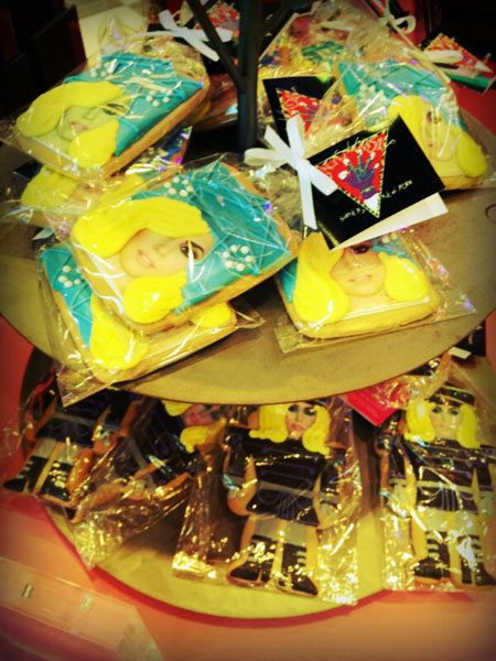 Yellow, Present, Plastic, Ribbon, Sweetness, Gift wrapping, Party favor, Confectionery,