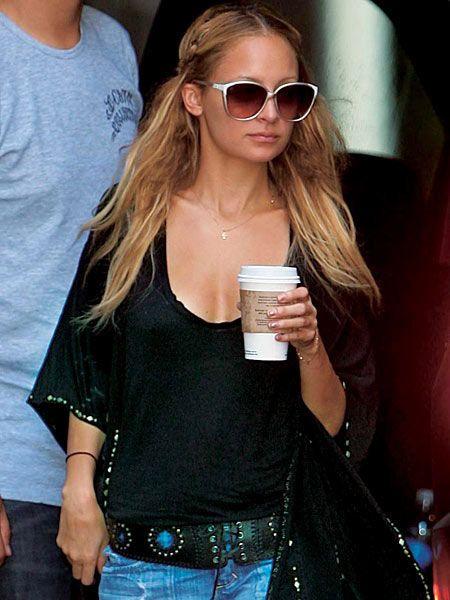 Eyewear, Vision care, Glasses, Sleeve, Shoulder, Denim, Jeans, Sunglasses, Chest, Fashion,