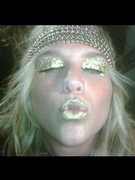 Nose, Mouth, Lip, Cheek, Hairstyle, Skin, Eyebrow, Eyelash, Jaw, Organ,