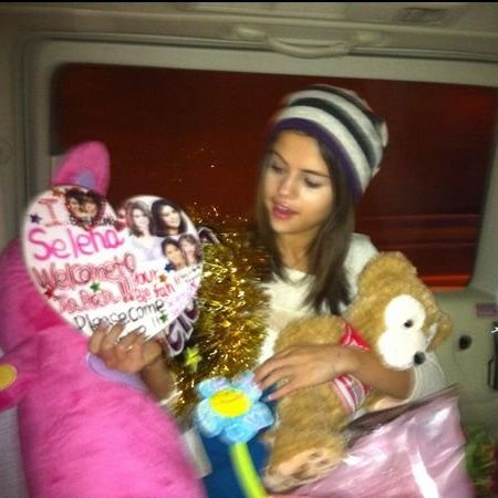 Stuffed toy, Textile, Plush, Toy, Headgear, Winter, Beanie, Teddy bear, Fur, Baby toys,