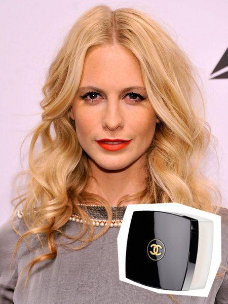 Lip, Hairstyle, Chin, Eyebrow, Electronic device, Eyelash, Iris, Beauty, Jewellery, Blond,