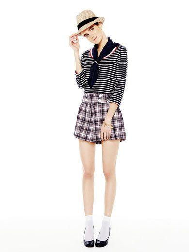 Clothing, Leg, Plaid, Collar, Sleeve, Shoulder, Hat, Tartan, Textile, Joint,