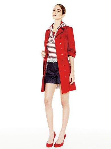 Collar, Sleeve, Shoulder, Textile, Joint, Red, Outerwear, Bag, White, Standing,