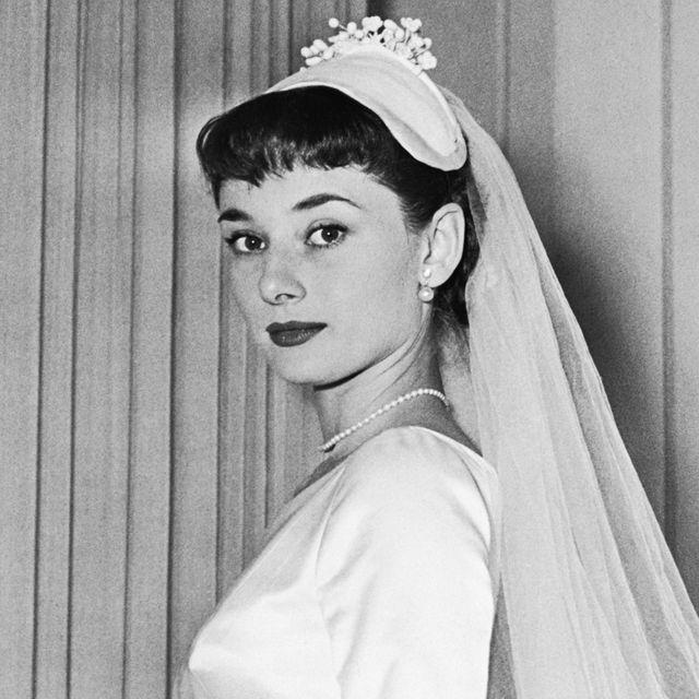 Bridal veil, Headpiece, Bridal accessory, Hair, Veil, Photograph, Hair accessory, Bride, Tiara, Hairstyle,
