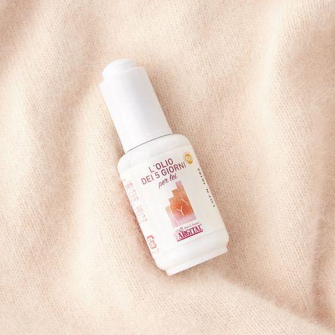 Liquid, Brown, Fluid, Skin, Peach, Bottle, Orange, Tan, Lavender, Tints and shades,
