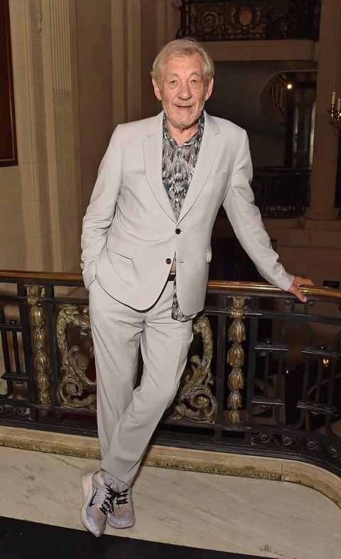 Suit, Formal wear, Blazer, Outerwear, Tuxedo, Pantsuit, Dress shirt,