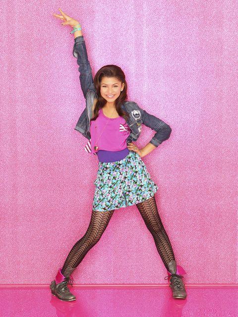 Human leg, Textile, Shoe, Magenta, Pink, Purple, Style, Knee, Pattern, Thigh,