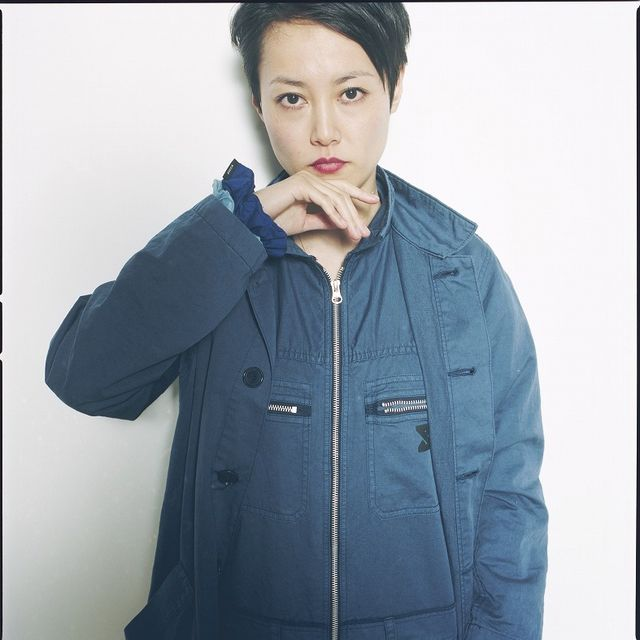 Clothing, Jacket, Sleeve, Collar, Textile, Fashion, Street fashion, Black hair, Eyelash, Zipper,
